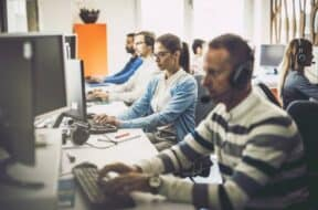 CallCenterSoftware-featured